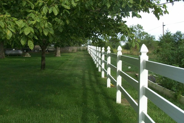 The pros and cons of different fencing materials - Most frequent fence materials ...
