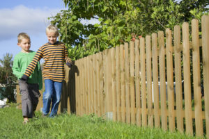 3 Ways to Improve Your Property Through Fence Repair