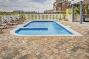 4 Tips for Designing a Pool Fence