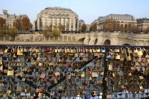 Famous Fences: Pont des Arts Love Lock Fence